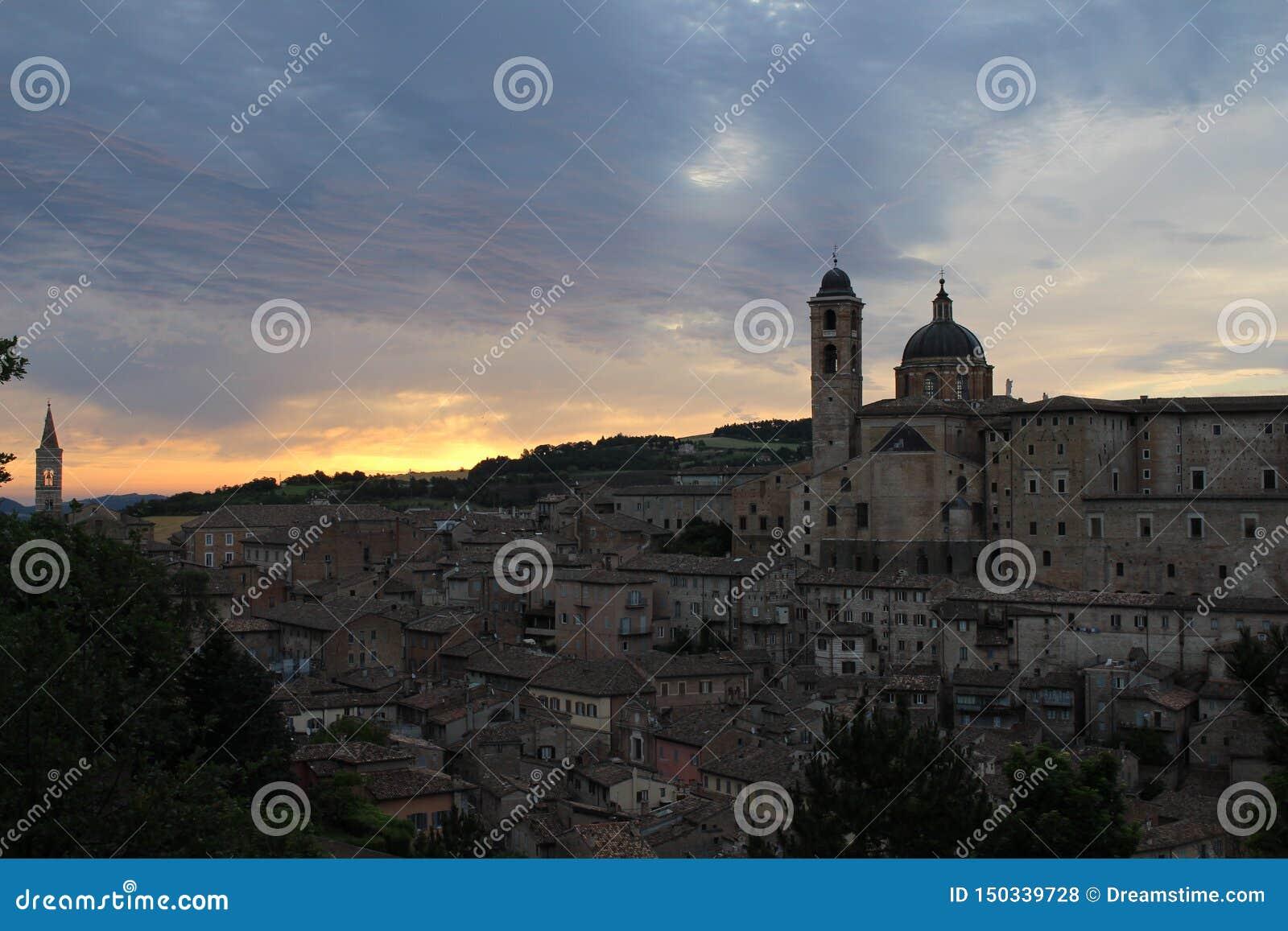 Salida del sol en Urbino