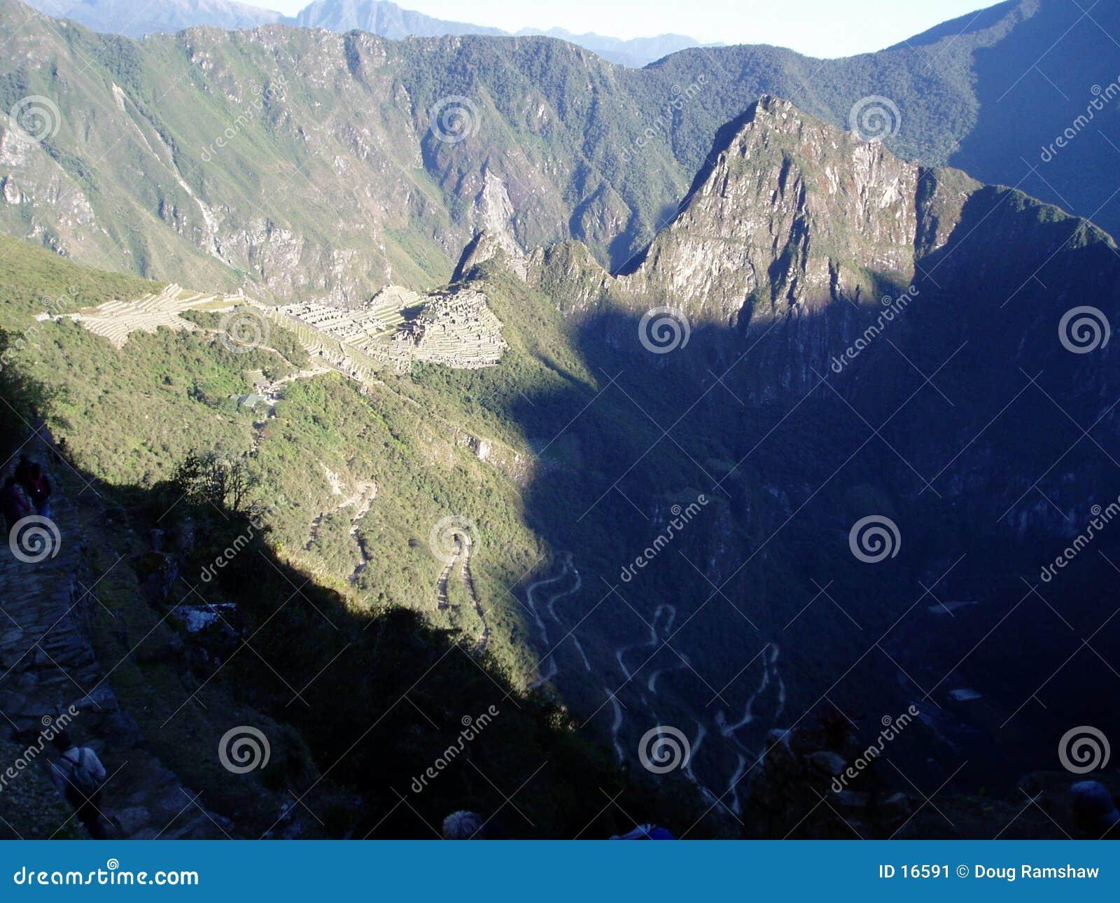 Salida del sol sobre Machu Pichu