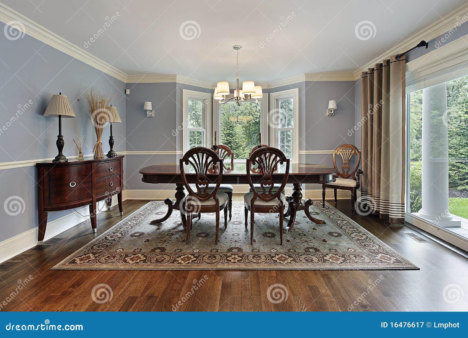 Salle manger avec la fen tre panoramique photographie for La fenetre panoramique
