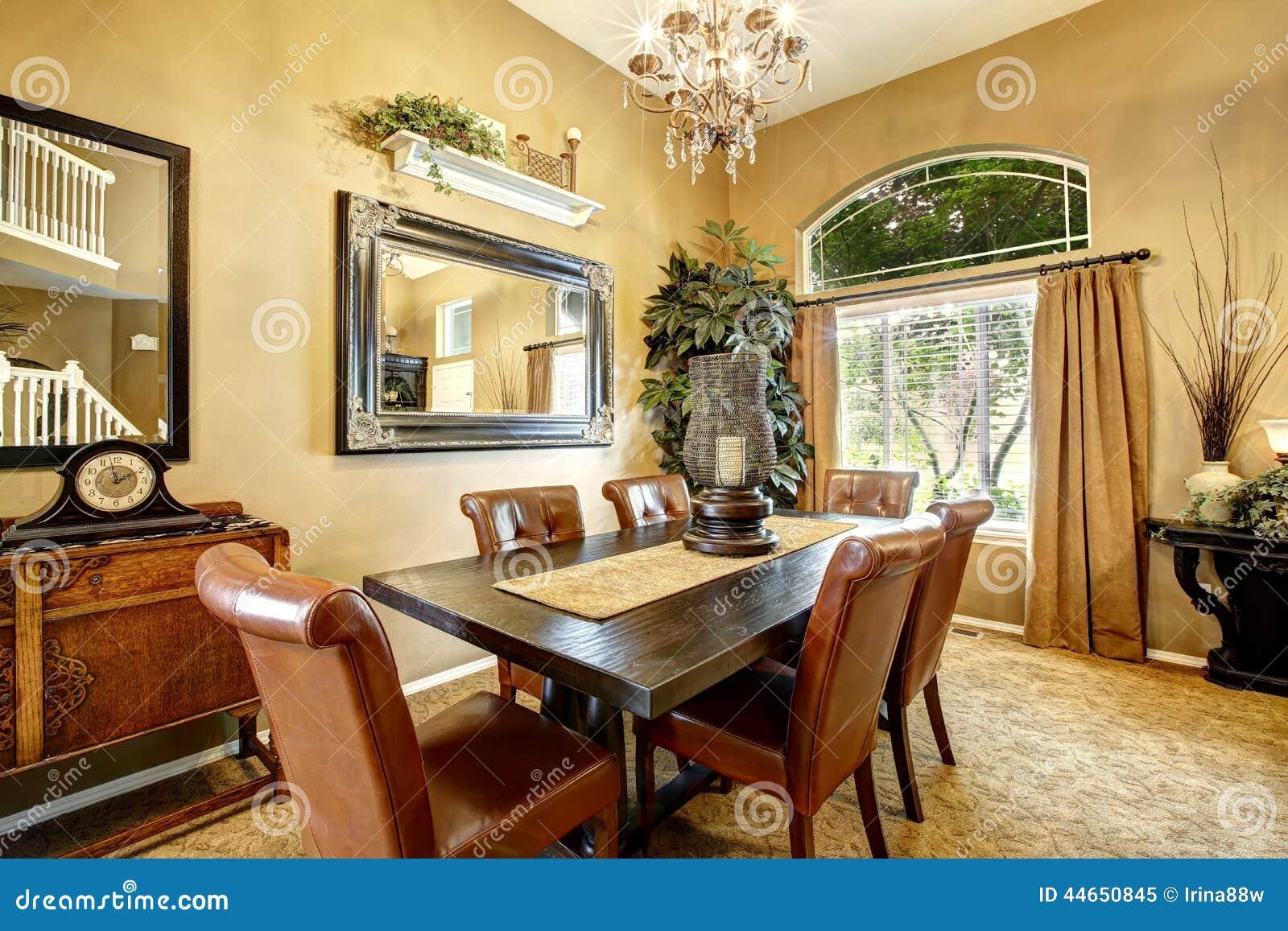 salle manger dans la maison amricaine de luxe - Salle A Manger Americaine