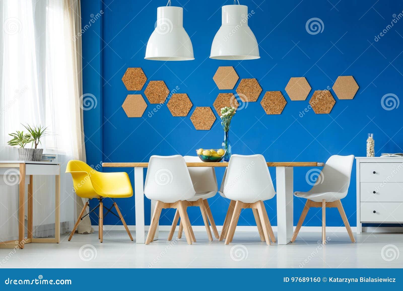 Salle à Manger De Bleu Et Blanche Photo Stock Image Du Moderne