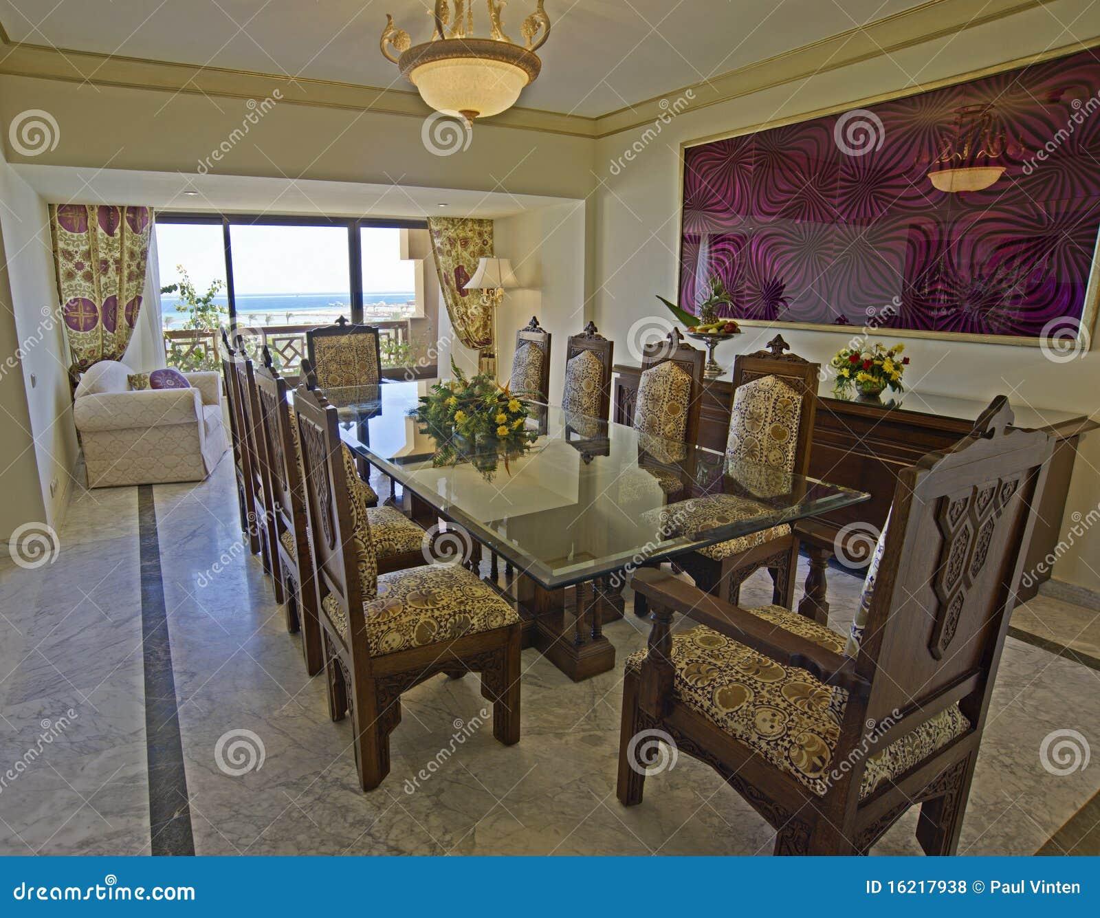 Salle manger de luxe avec une vue de mer photos libres de droits image 16217938 - Salle a manger de luxe ...