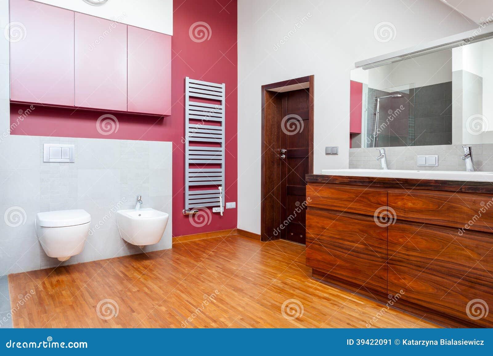 Salle de bains avec le mur rose photo stock   image: 39422091