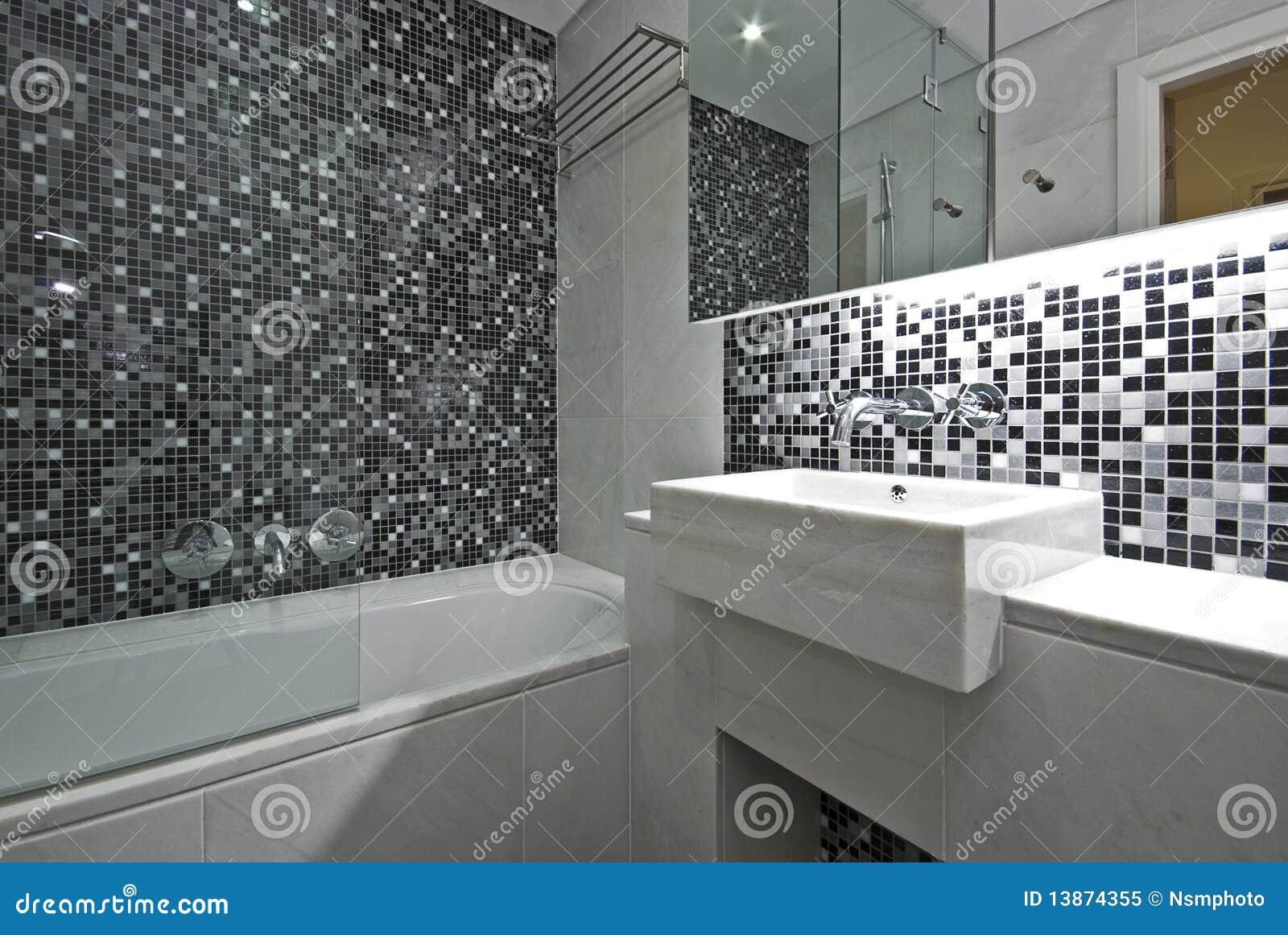 Salle de bains contemporaine d 39 en suite en noir et blanc - Salle de bain en noir et blanc ...