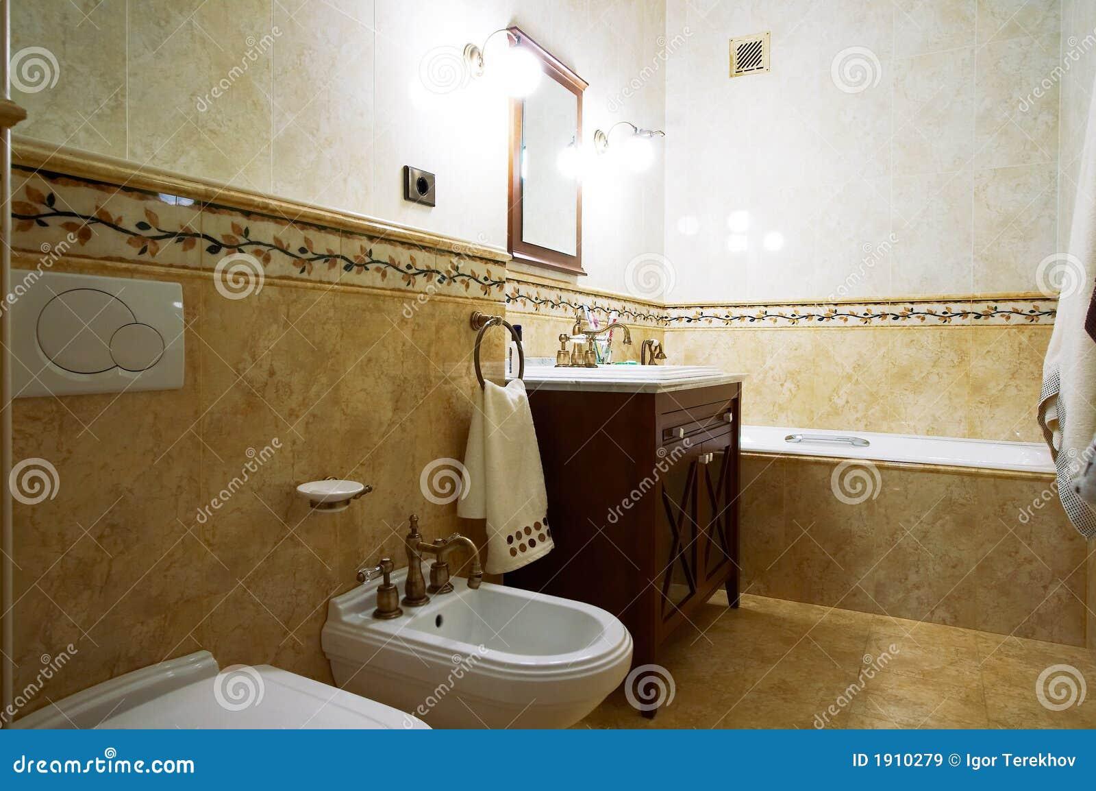 salle de bains dans le vieux type image stock image du tage clairage 1910279