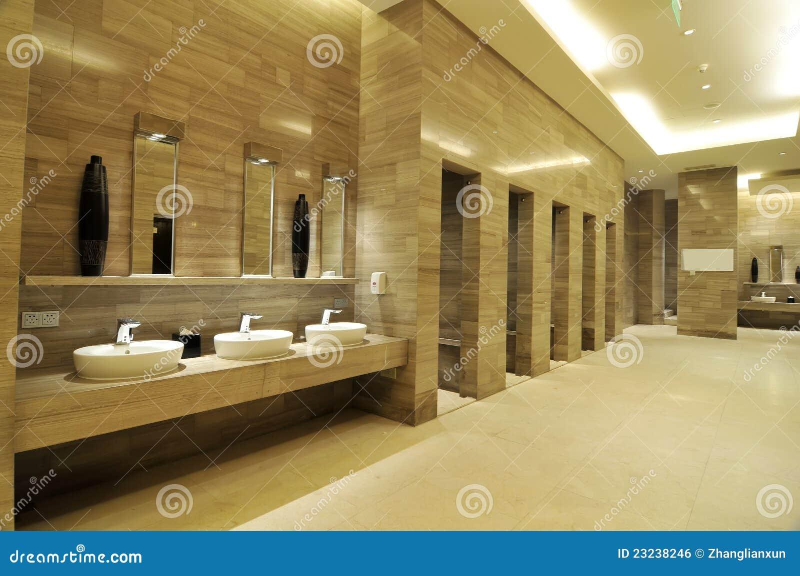 Salle de bains de luxe photo stock image du m le clat 23238246 for Salle de luxe