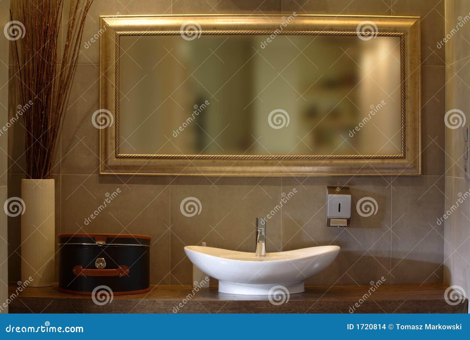 Salle De Bains De Luxe D 39 Appartement Images Stock Image