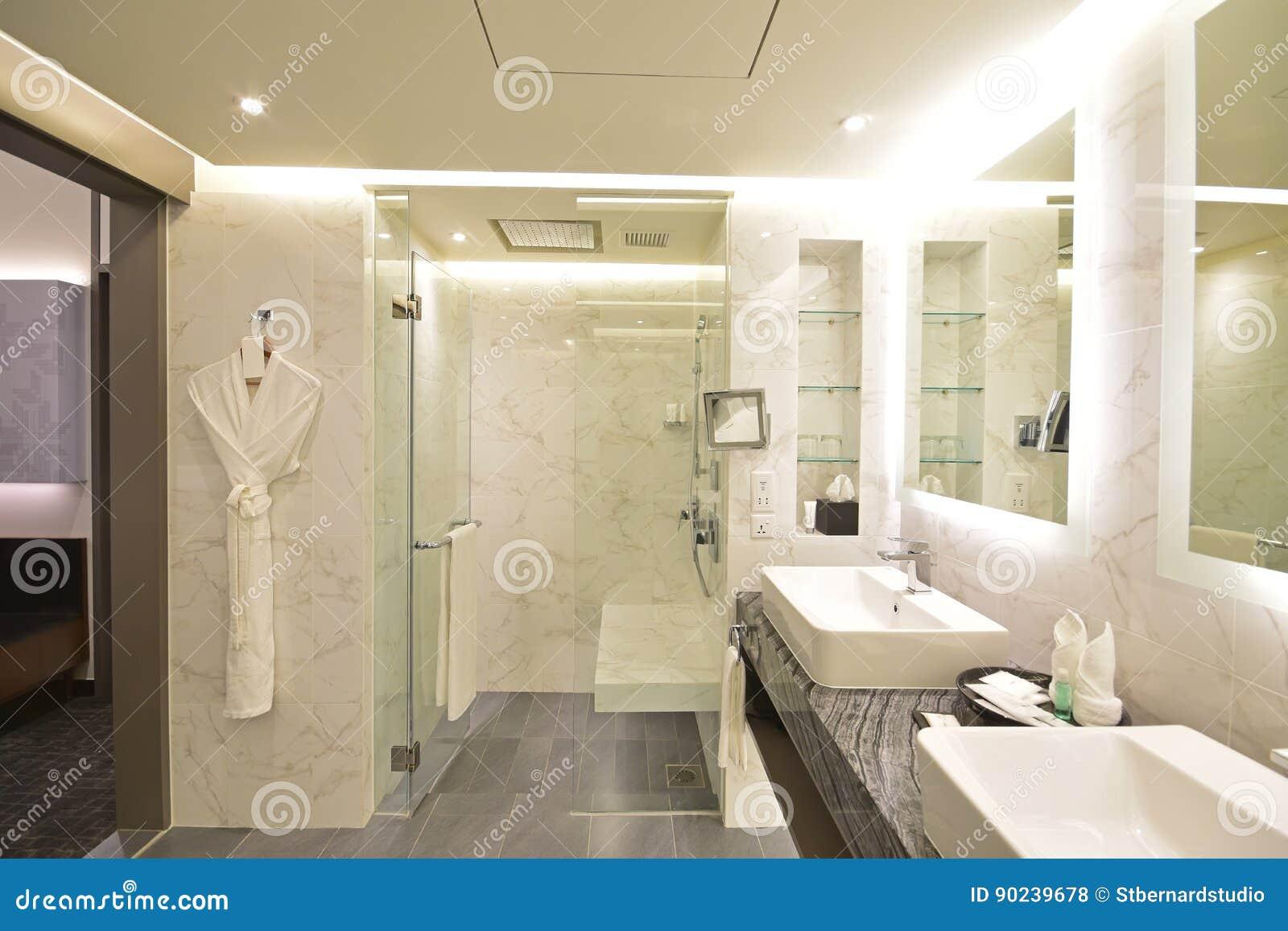 Salle De Bains De Suite D\'hôtel De Luxe Avec Le Concept Noir Et ...