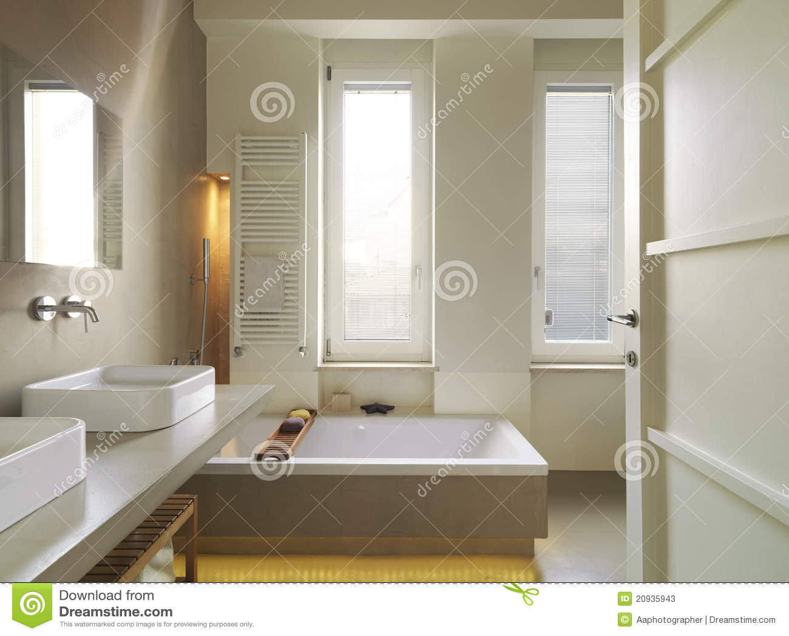 Salle de bains moderne photos stock image 20935943 - Salle de bains moderne ...