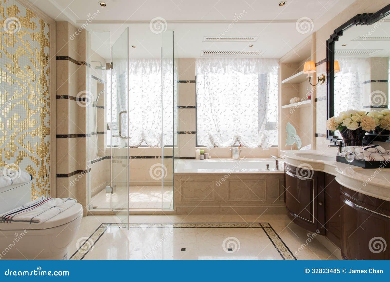 salle de bains moderne image stock image du architecture 32823485. Black Bedroom Furniture Sets. Home Design Ideas
