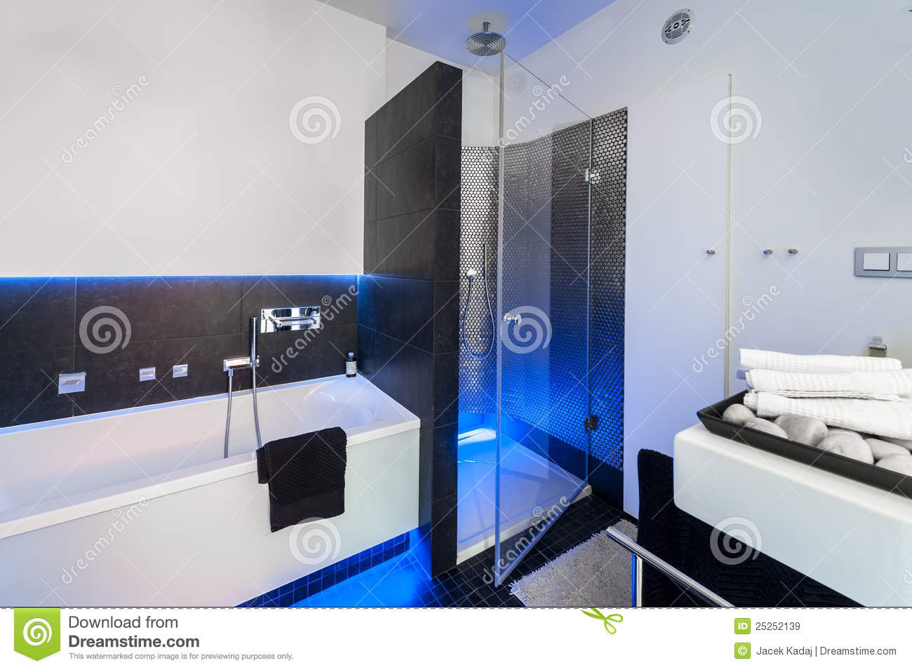 salle de bains moderne avec la douche images libres de. Black Bedroom Furniture Sets. Home Design Ideas
