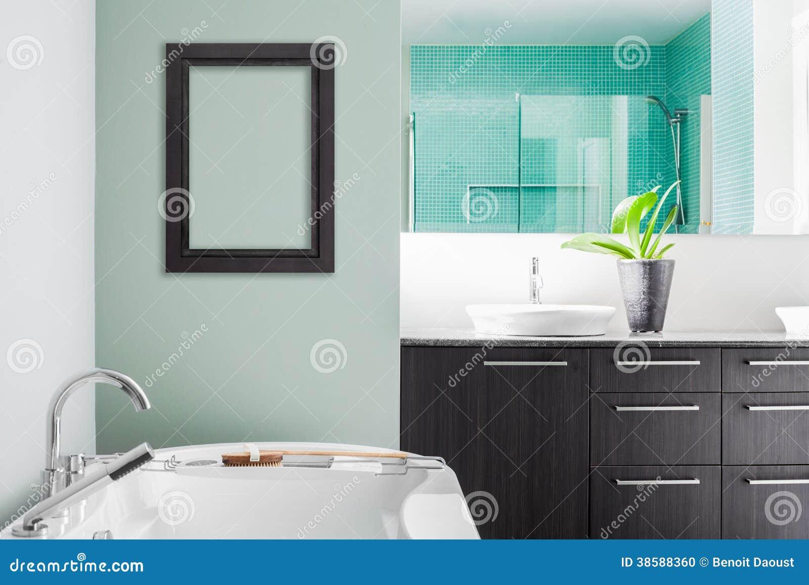 Salle de bain couleur pastel maison design for Couleur salle de bain moderne