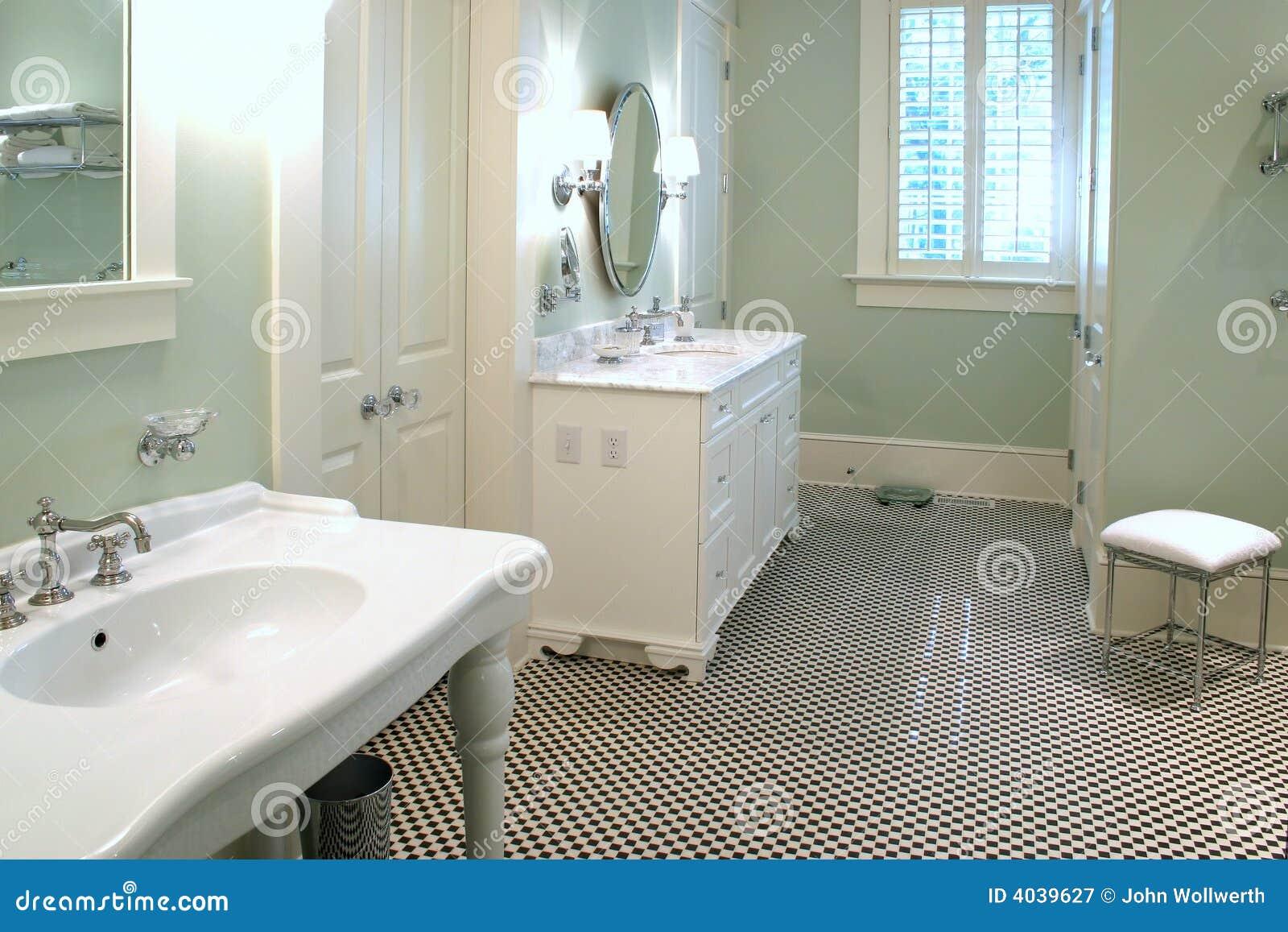 Salle de bains noire et blanche luxueuse photographie - Salle de bains blanche ...