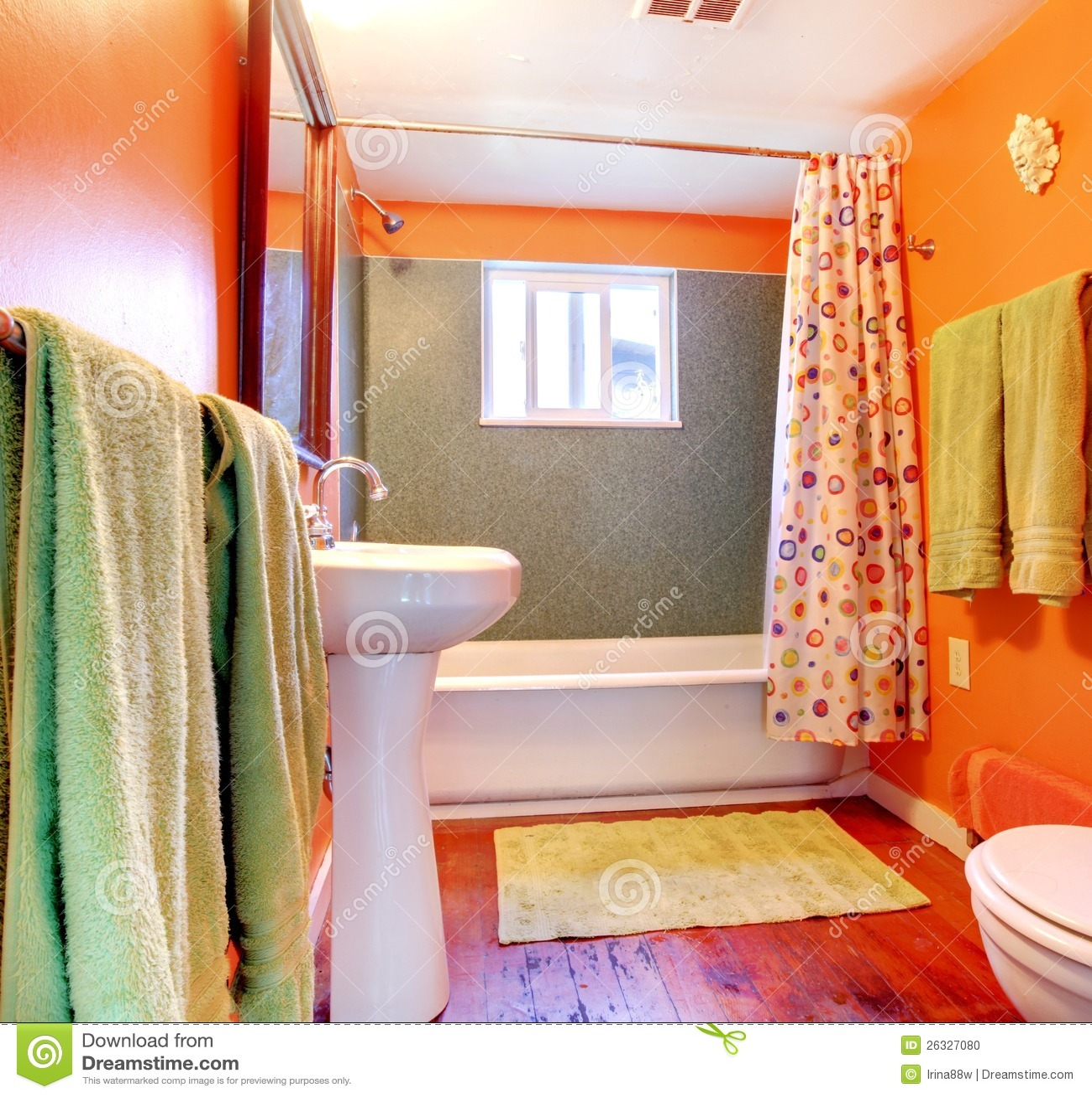 Salle De Bains Orange Et Verte Avec L\'étage De Baquet Et En ...