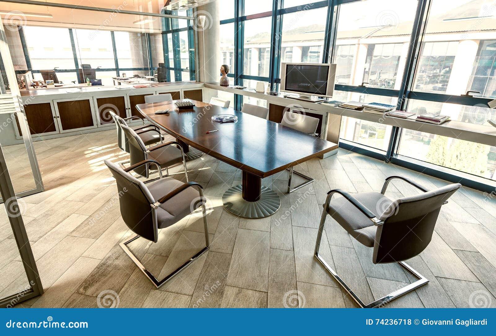Salle de conférences dans un bureau moderne conce d entreprise et