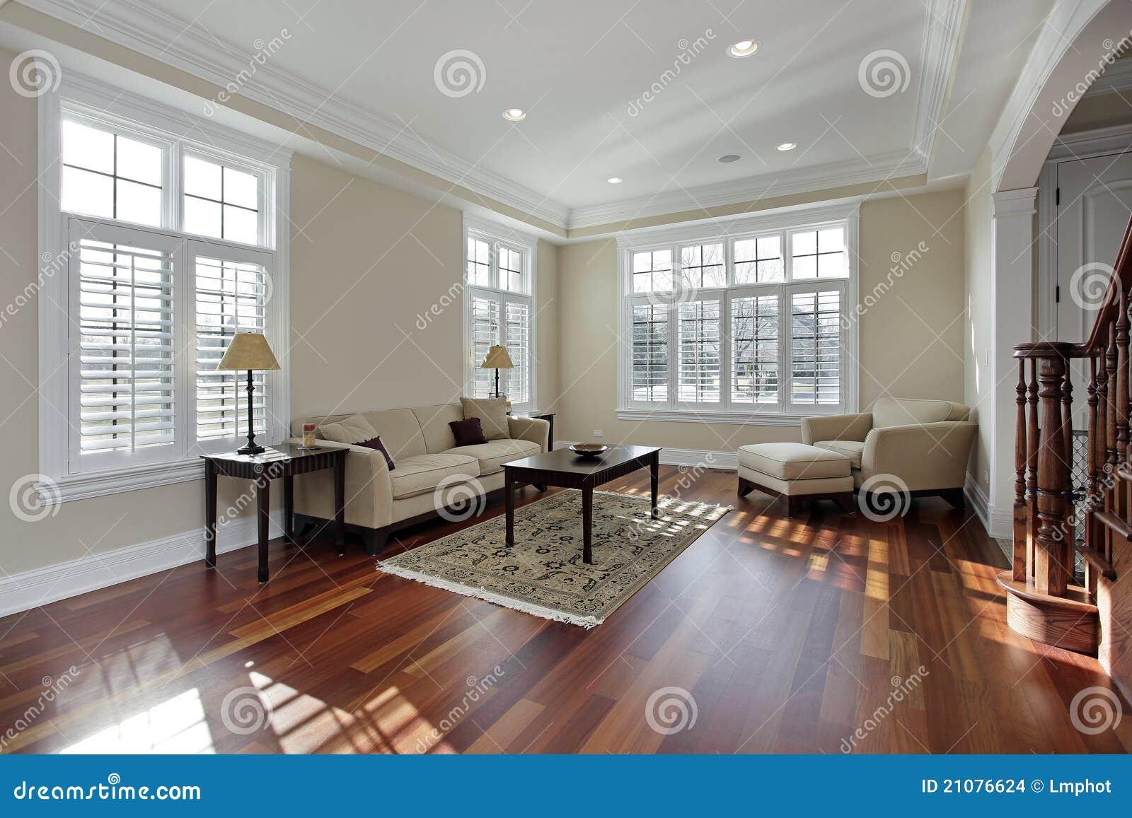 Salle de séjour avec le plancher en bois de cerise