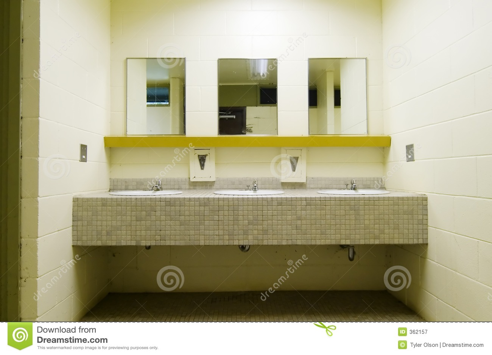 Salle De Bain Public ~ Salle De Toilette Publique Image Stock Image Du Froid 362157