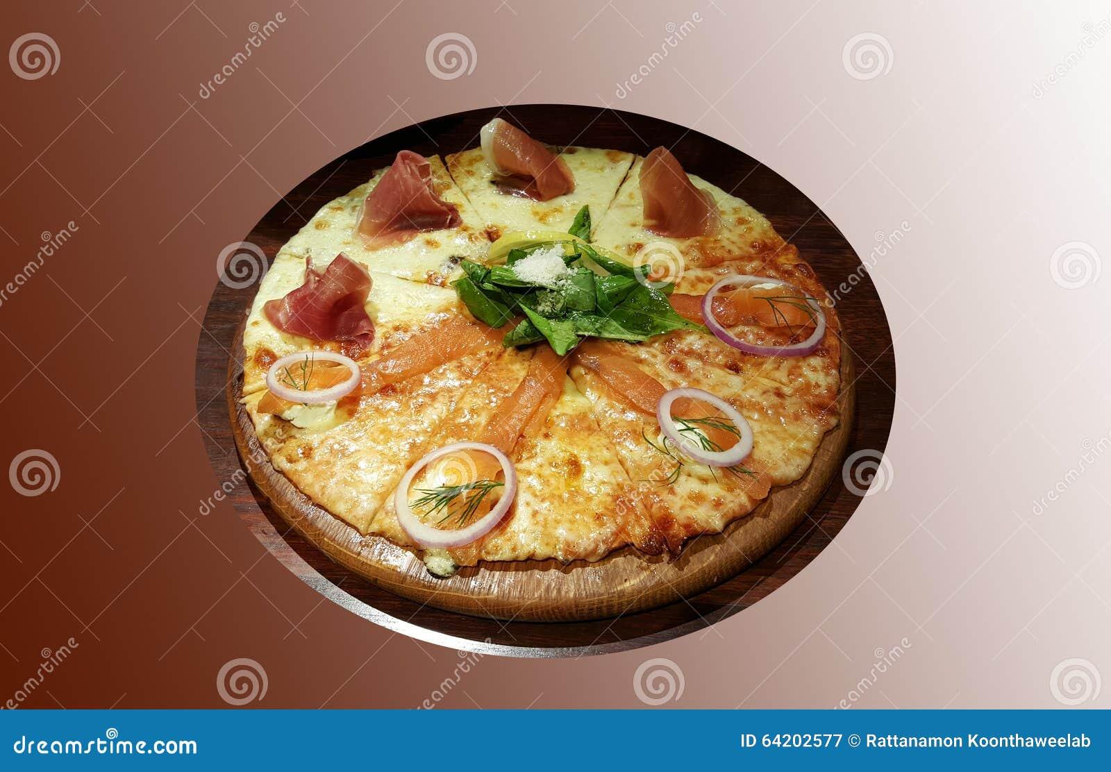 Salmaon del humo y pizza del jamón de Parma
