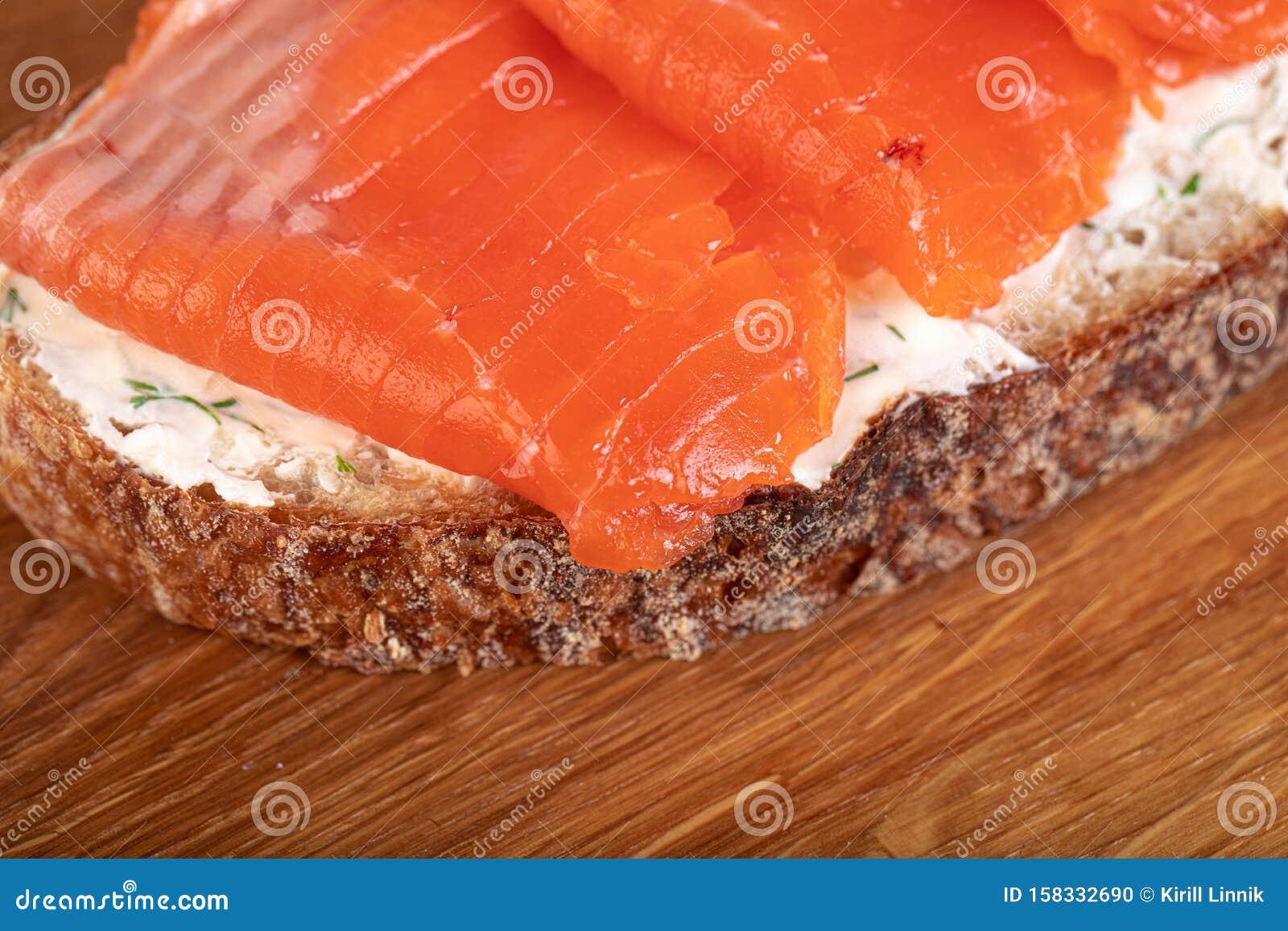 Salmom sandwich