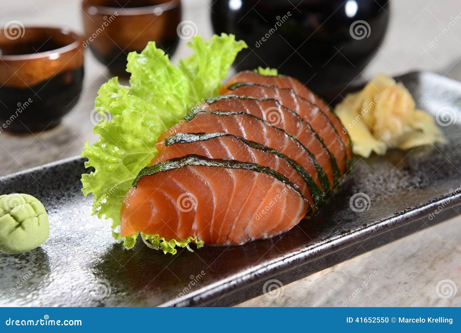 Salmon сасими