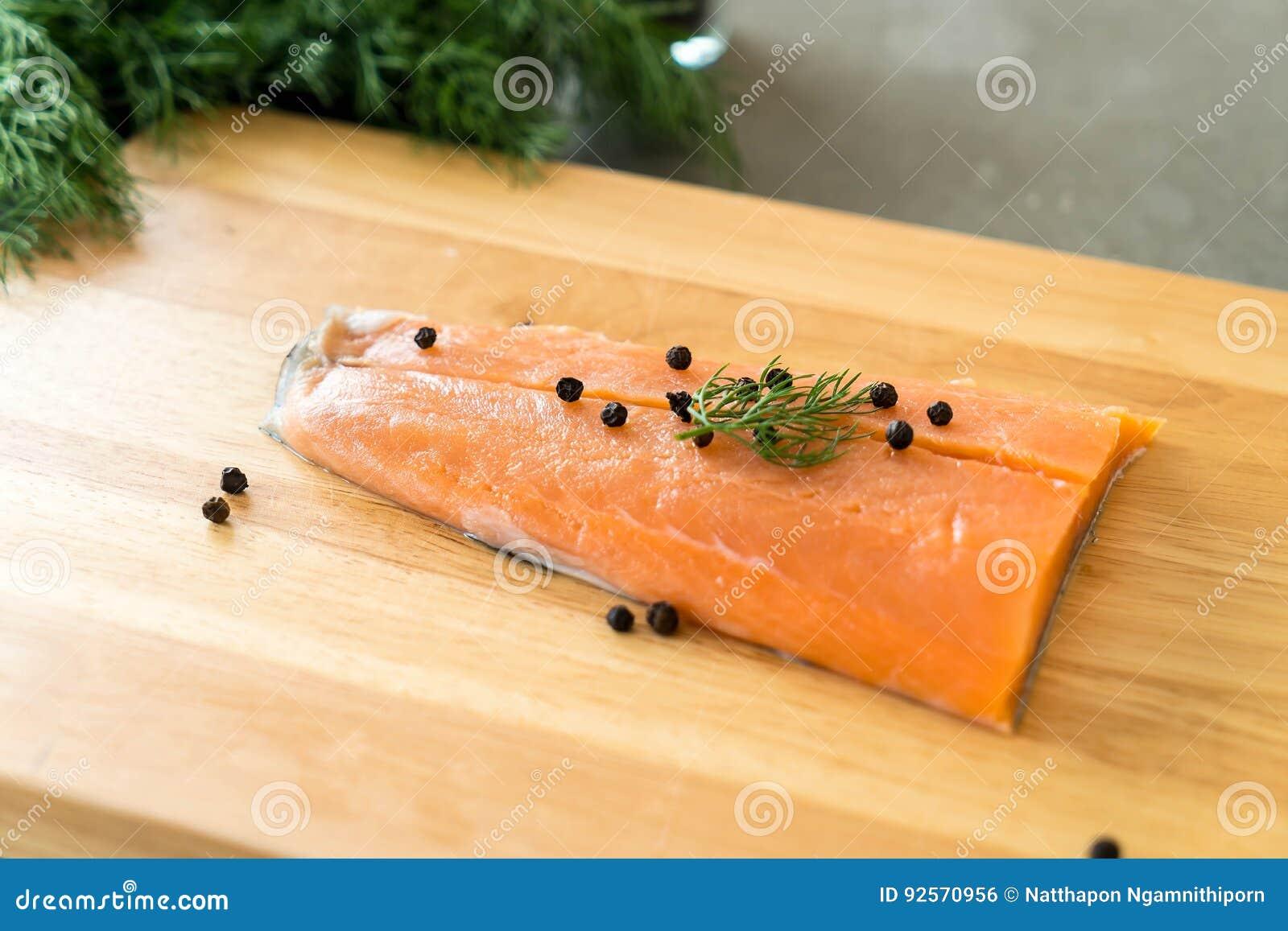 Salmon Fillet fresco a bordo