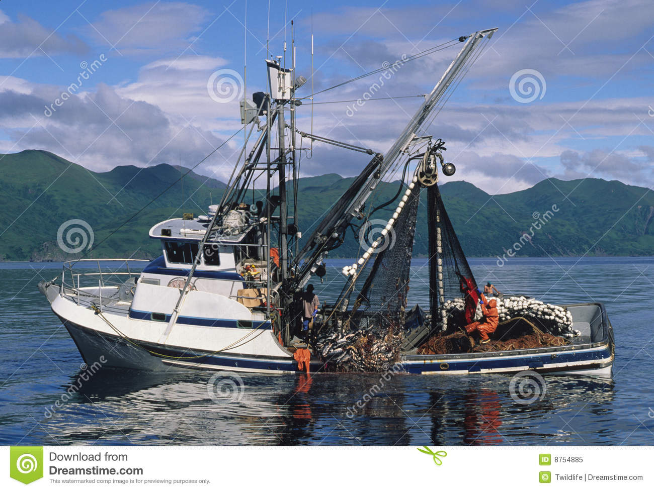 Kodiak fishing boat sinks for Alaska fishing boats