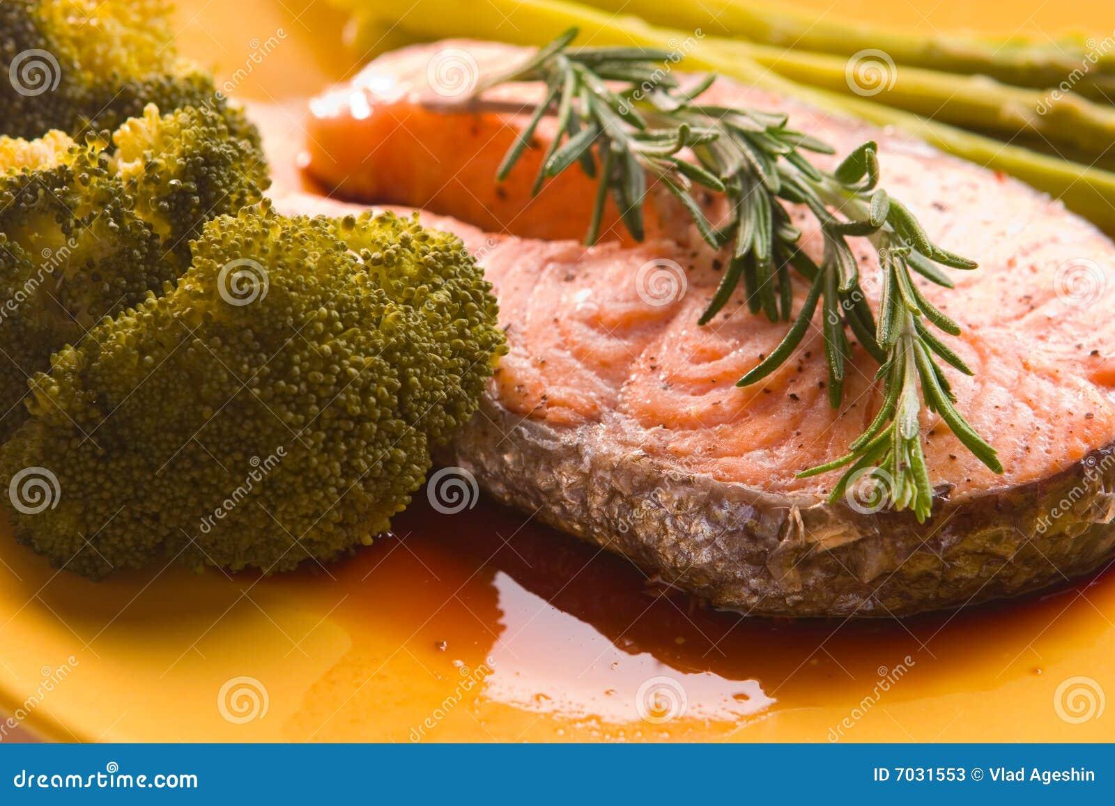 Сёмга с овощами рецепт