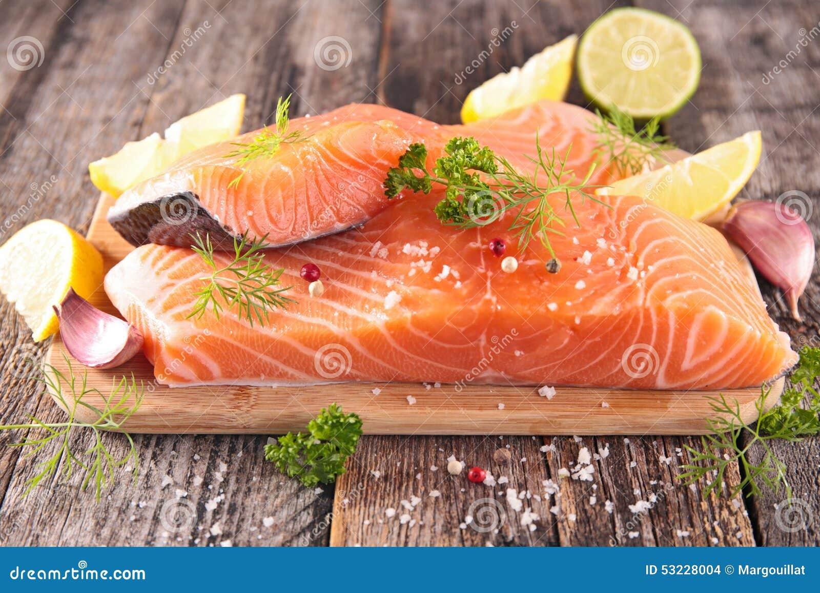 Salmones sin procesar