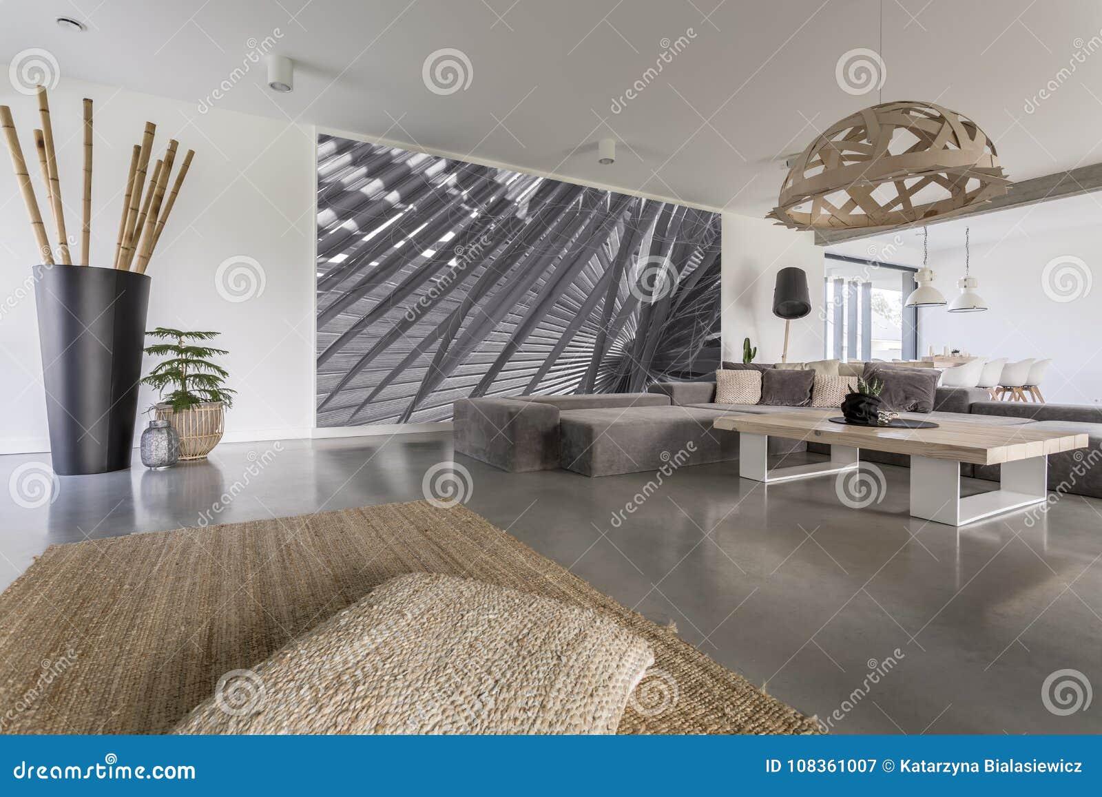 Salon Avec La Peinture Murale Grise Image Stock Image Du Grise Avec 108361007
