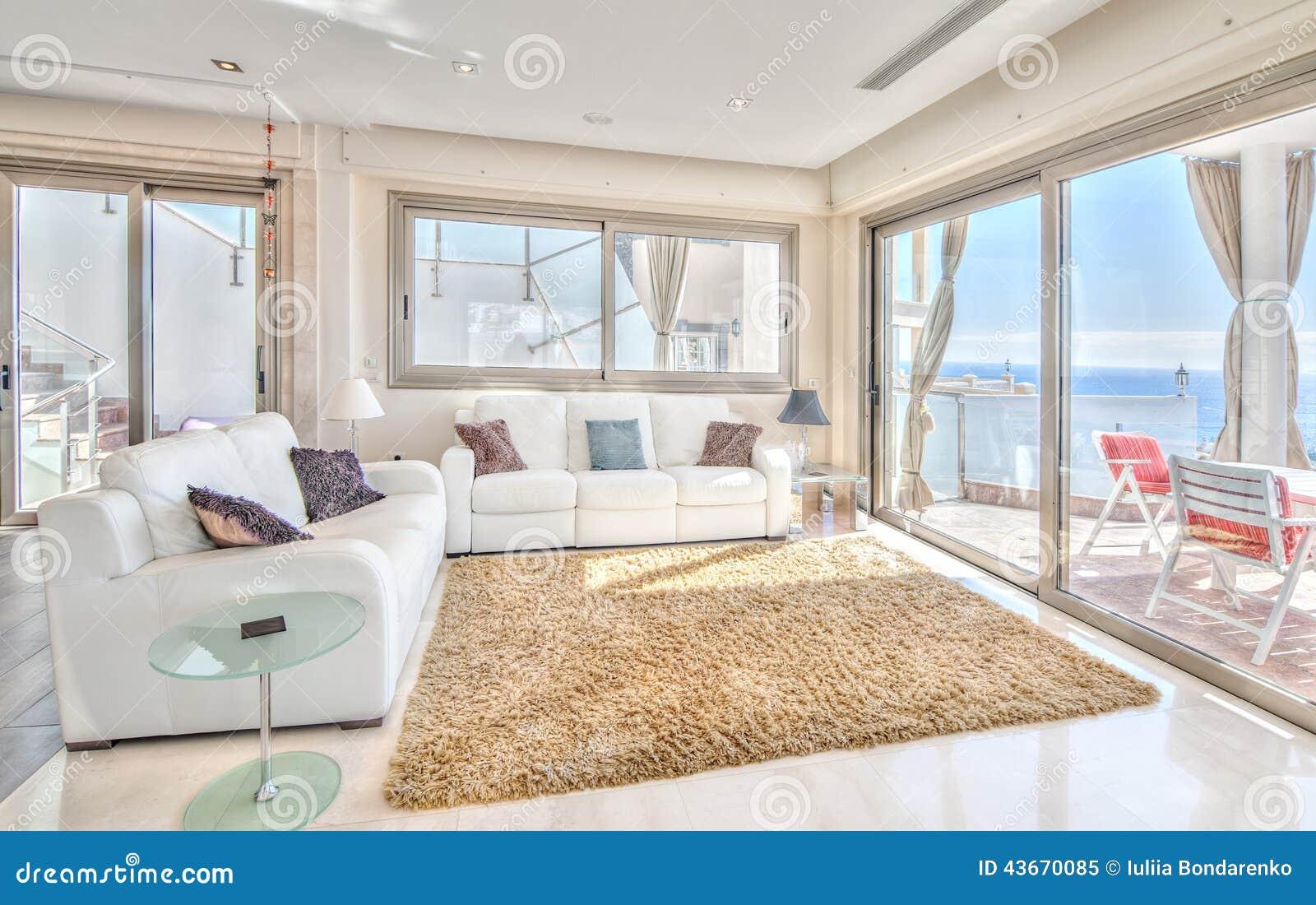 Salon D\'Exlusive En Villa Moderne Photo stock - Image: 43670085