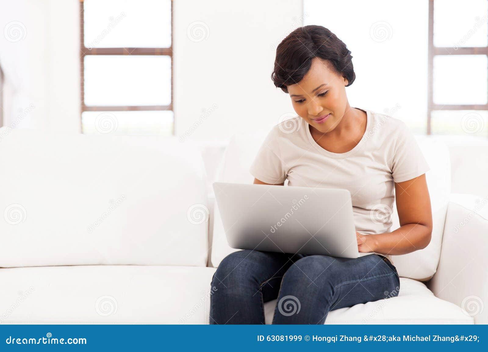 Download Salon D'ordinateur Portable De Femme Image stock - Image du lifestyle, ordinateur: 63081999
