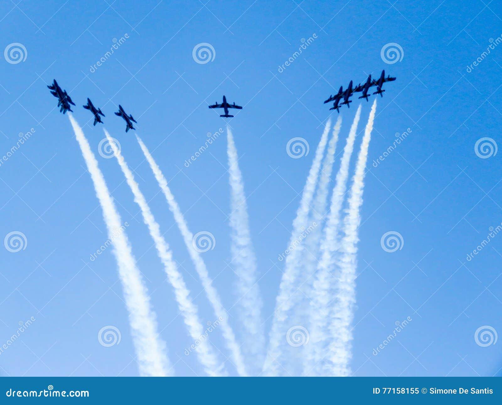 Salon de l aéronautique tricolore de flèches Tirrenia, Pise, Italie, le 11 septembre