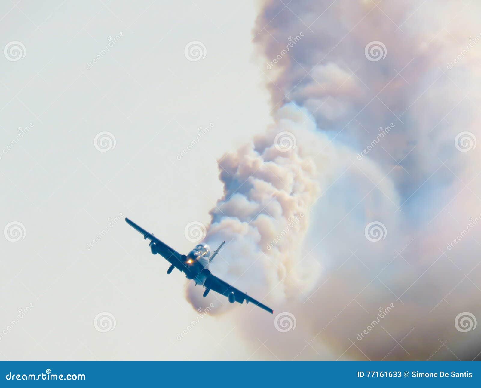 Salon de l aéronautique tricolore de flèches Tirrenia, Pise, Italie, le 11 septembre, 2