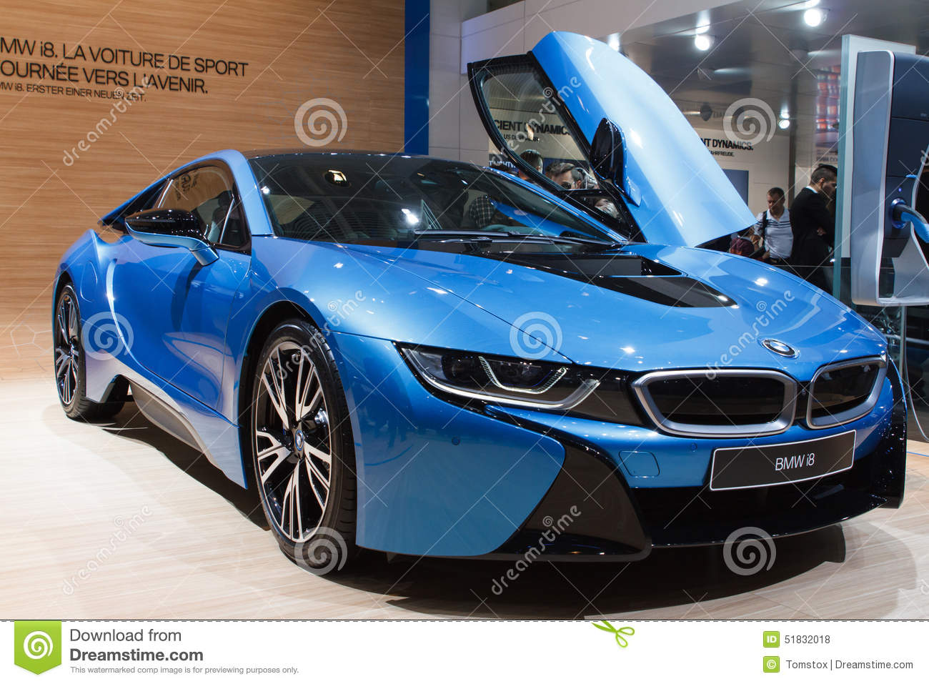 salon de l 39 automobile hybride bleu de bmw i8 gen ve 2015 photo stock ditorial image du sport. Black Bedroom Furniture Sets. Home Design Ideas