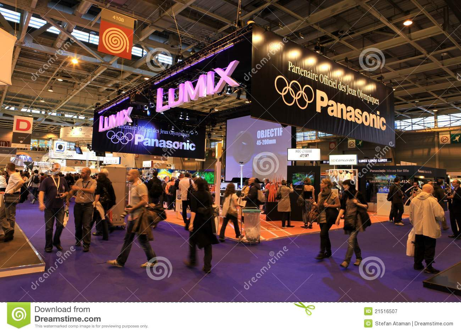 the salon de la photo exhibition in paris editorial photography image 21516507. Black Bedroom Furniture Sets. Home Design Ideas