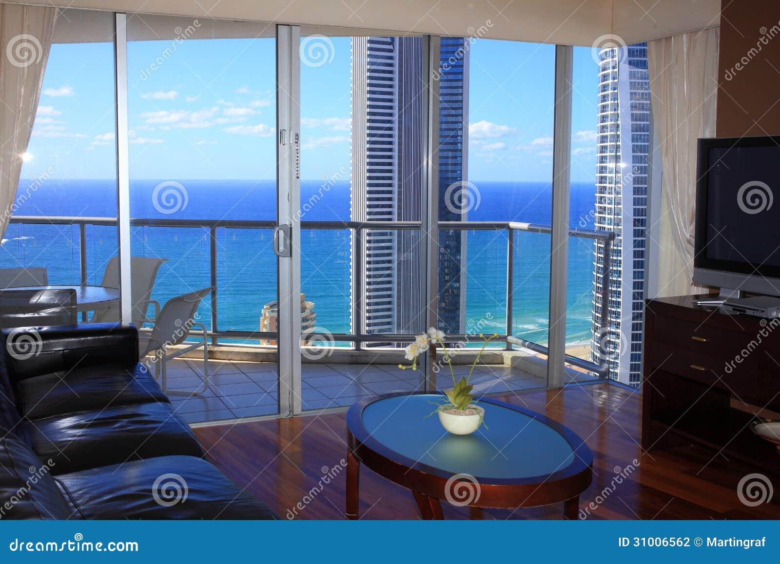 Salon de luxe avec la vue d 39 oc an photographie stock image 31006562 for Un salon de luxe