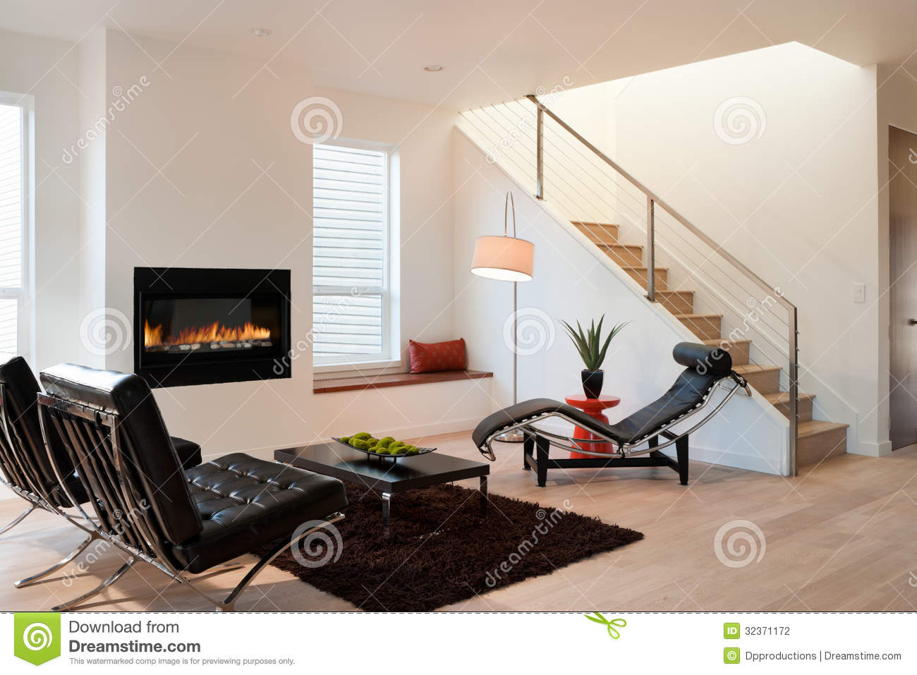 Salon de luxe moderne photo stock image du maison home 32371172 for Photo de salon moderne