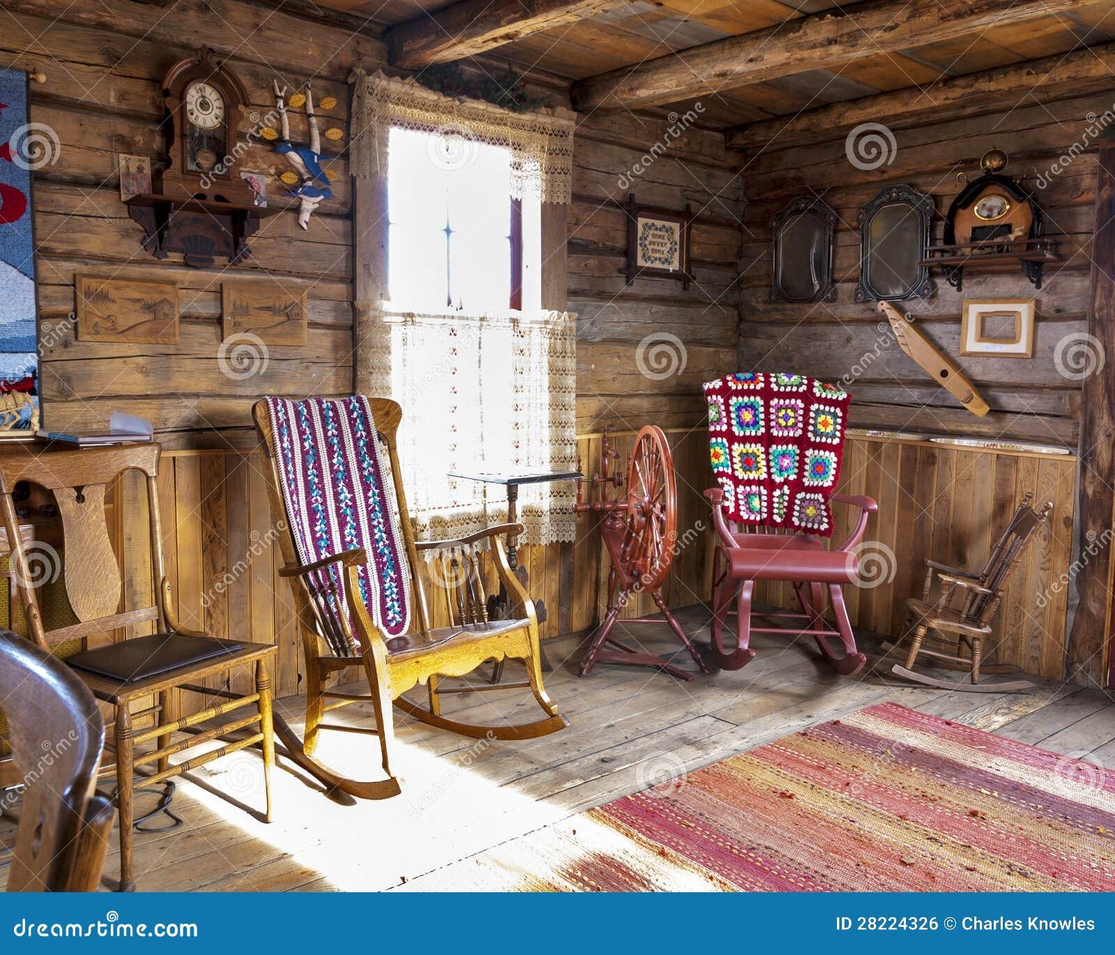 Salon rustique dans une cabine de log
