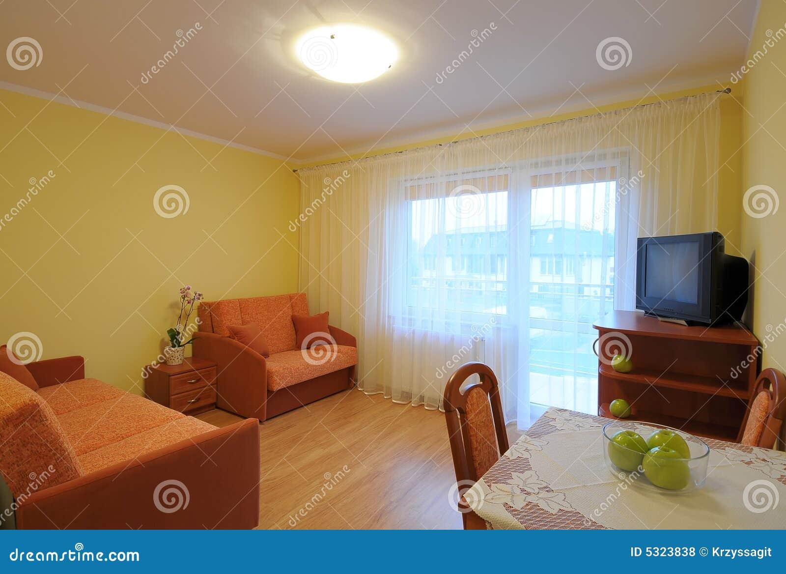 Download Salone fotografia stock. Immagine di struttura, lampade - 5323838