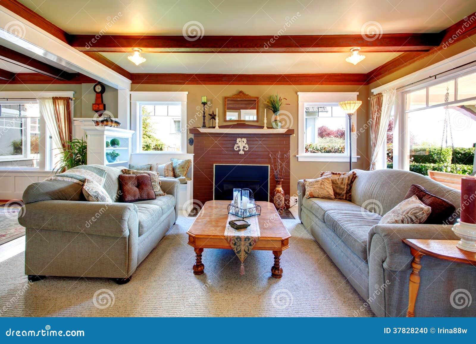 Salone antico elegante di stile fotografia stock for Filiale di cabina clarksburg