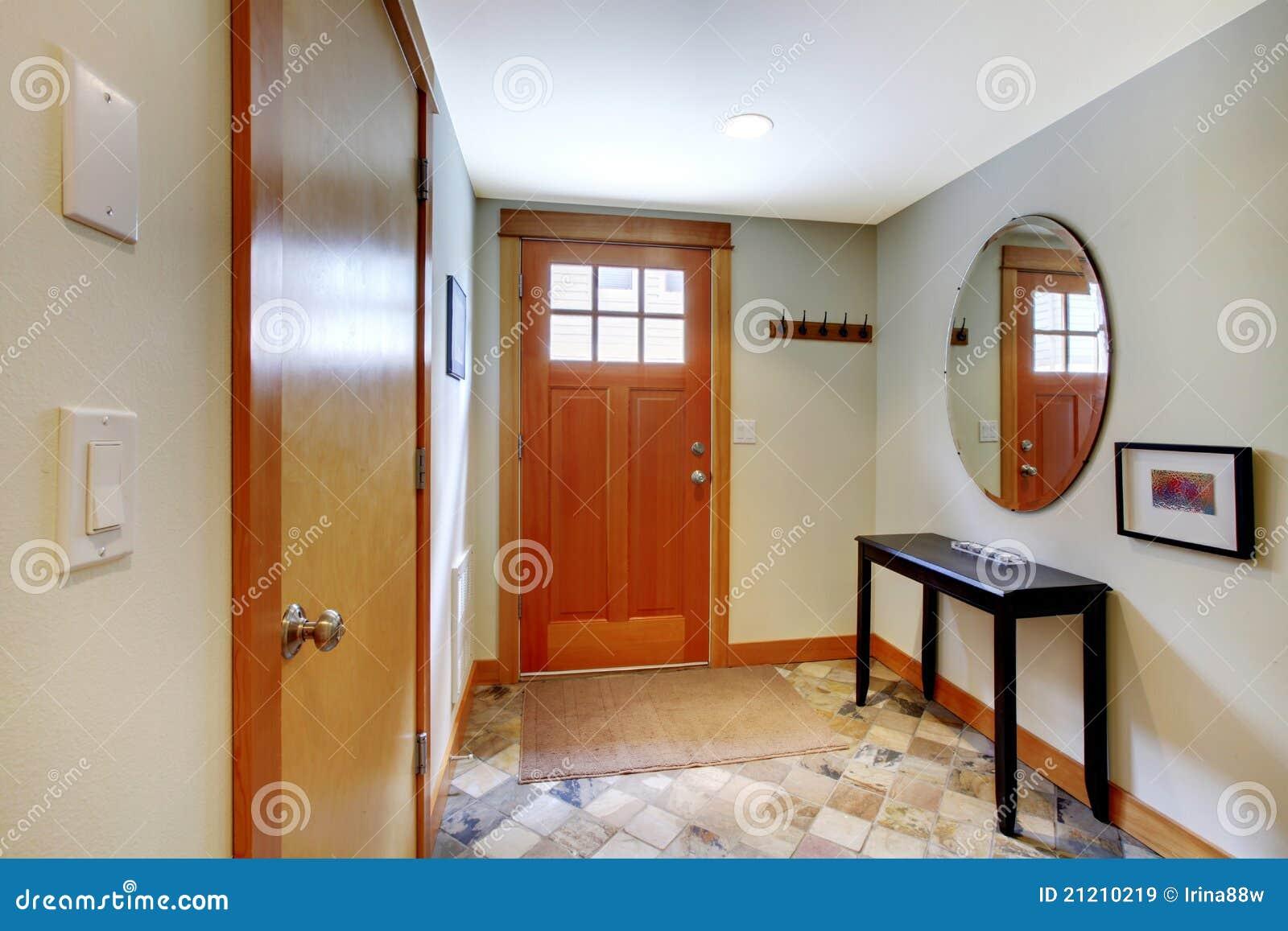 Pavimento Rosso E Bianco : Salone con colore rosso ed il pavimento della ciliegia immagine