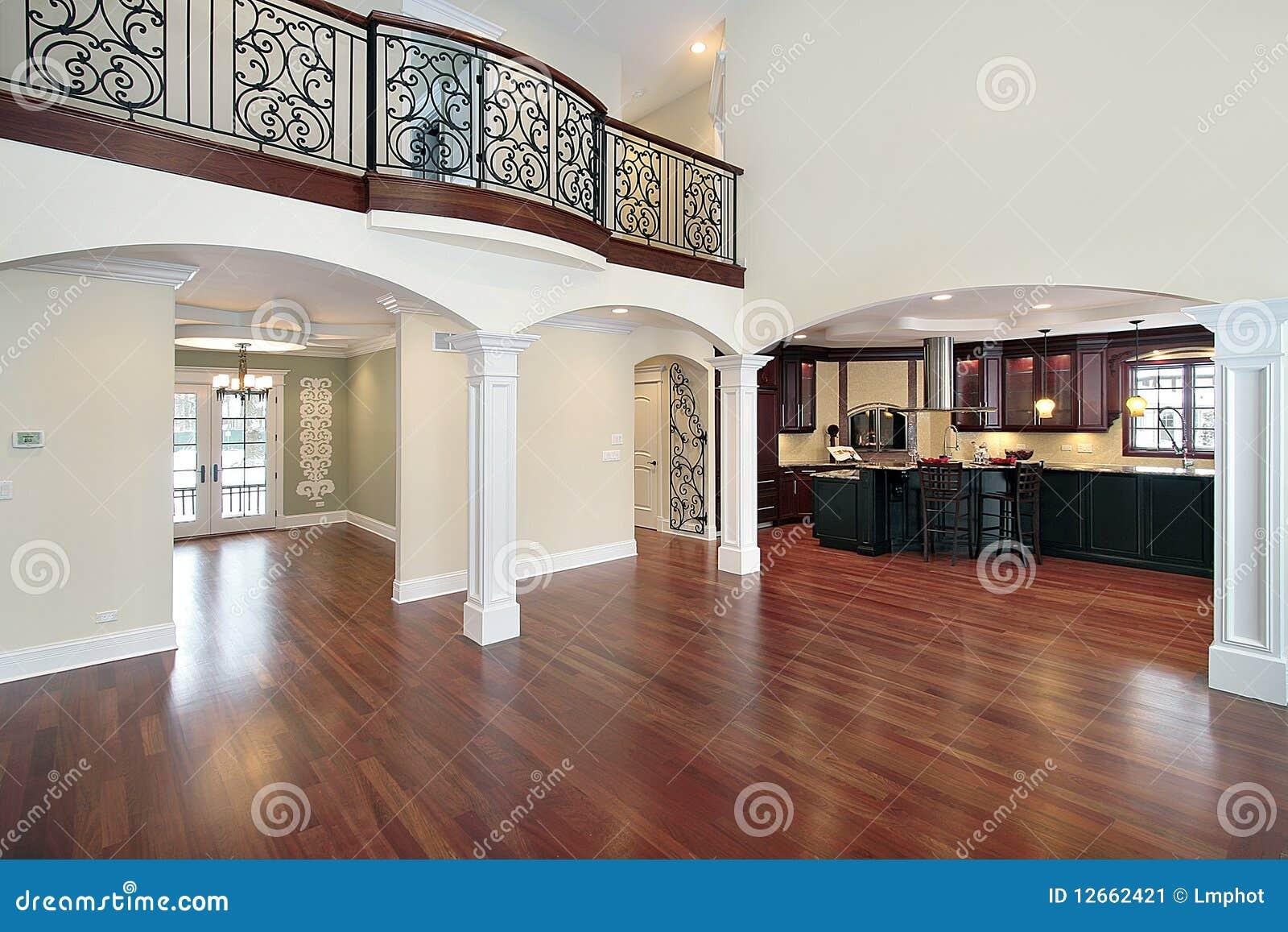 Salone con la vista della cucina immagine stock immagine - La cucina con vista ...