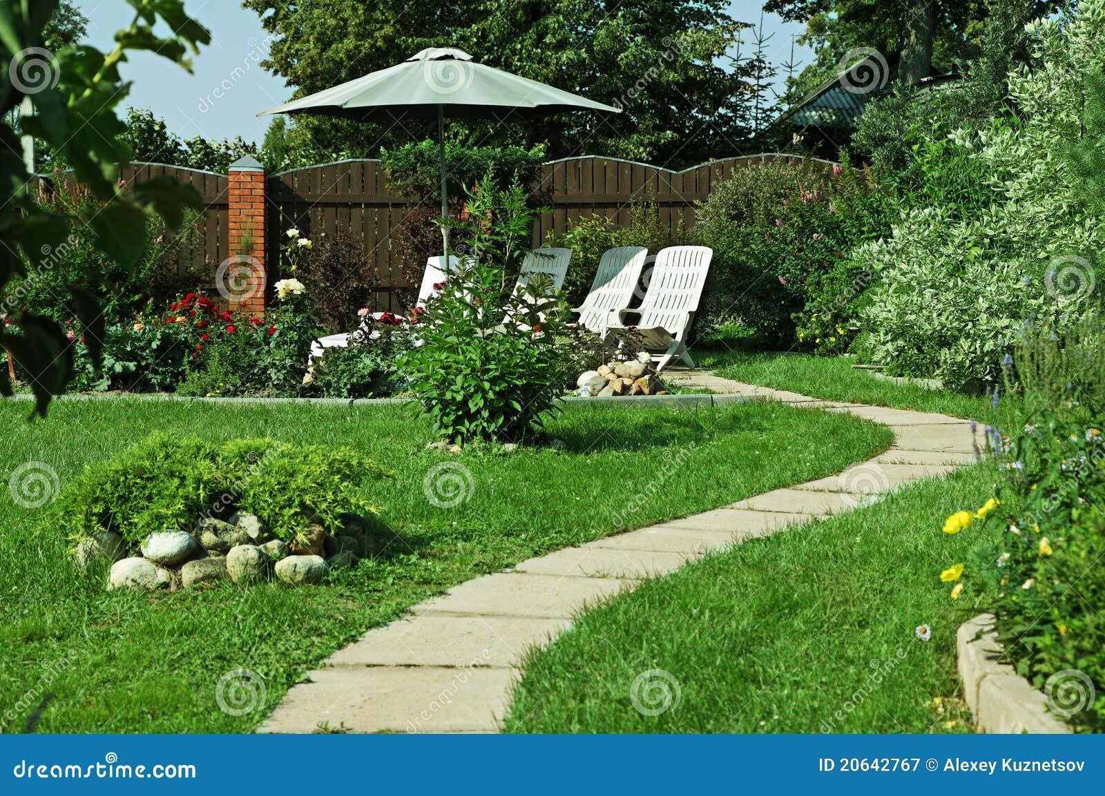 Salotto esterno del giardino fotografia stock libera da for Outdoor giardino
