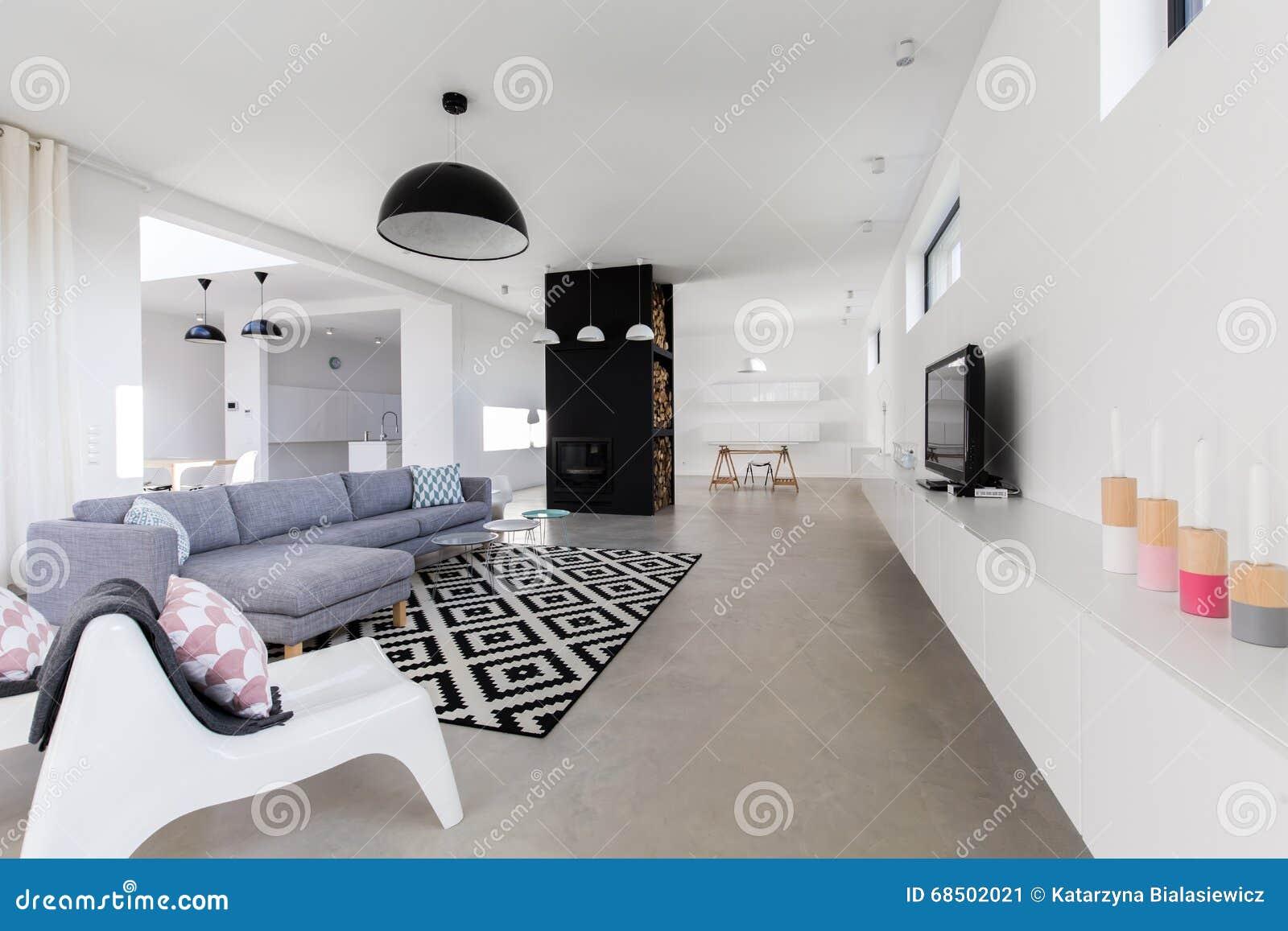 Salotto Moderno Grande : Salotto moderno di lusso immagine stock. immagine di villa 68502021