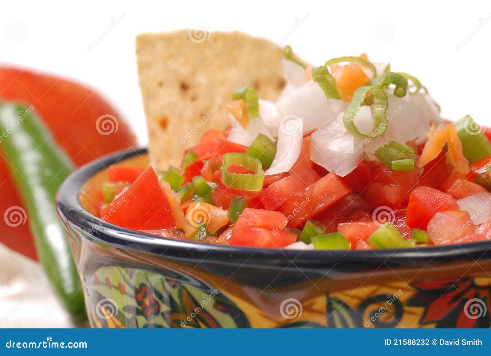 Salsa épicé avec des puces de tortilla
