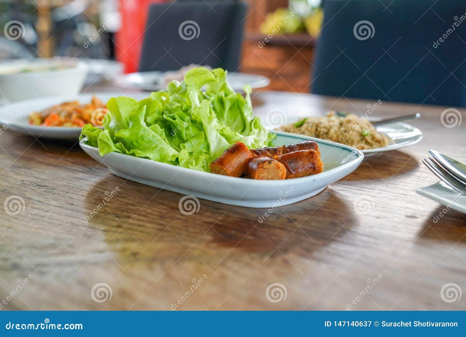 Salsiccia piccante tailandese affettata di Notrhern