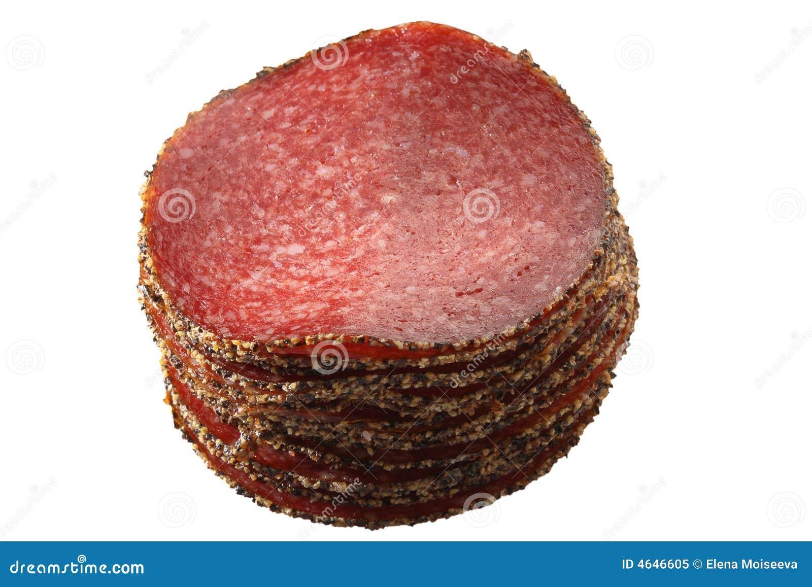 Salsiccia tedesca del salame del pepe isolata