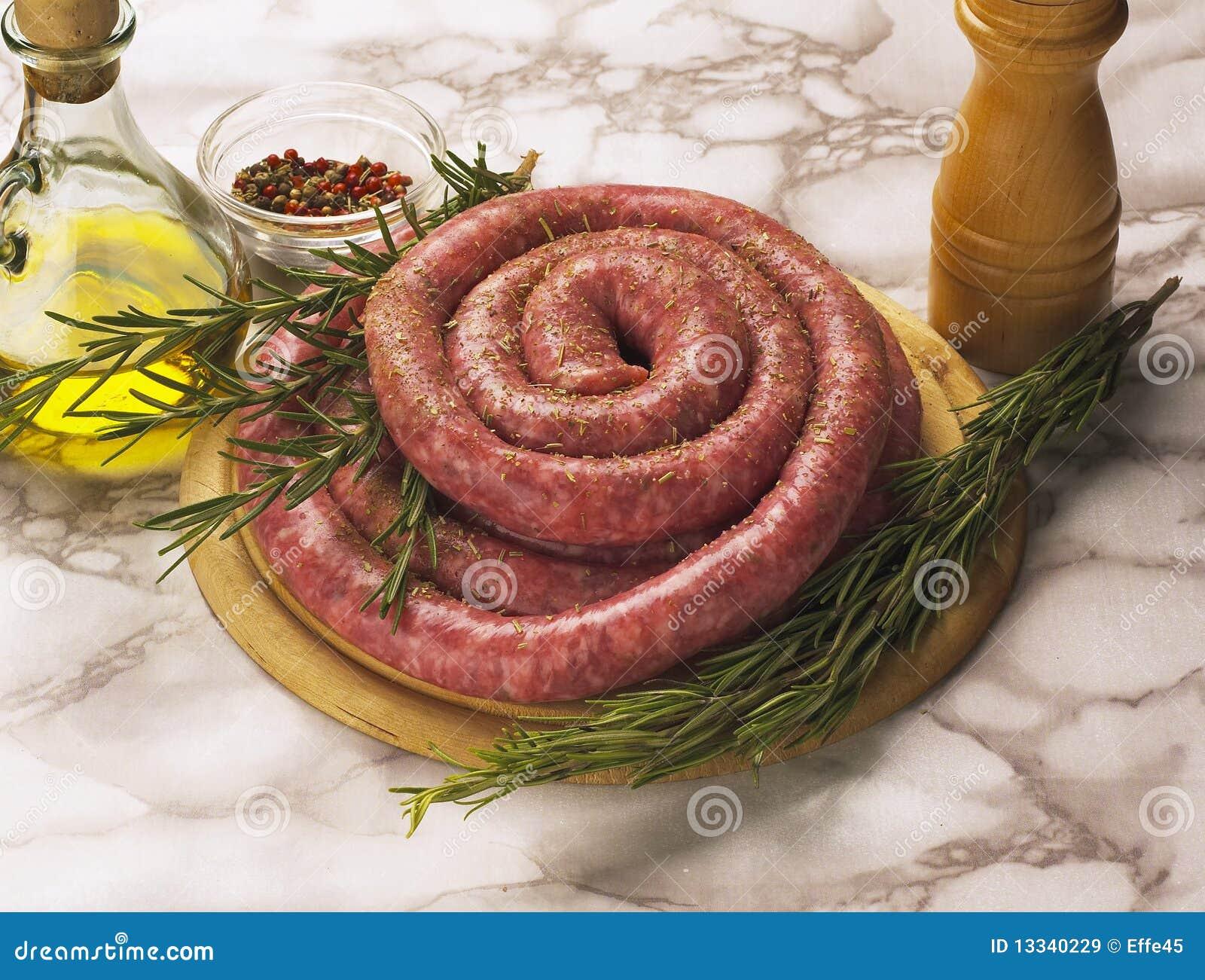Salsichas cruas italianas
