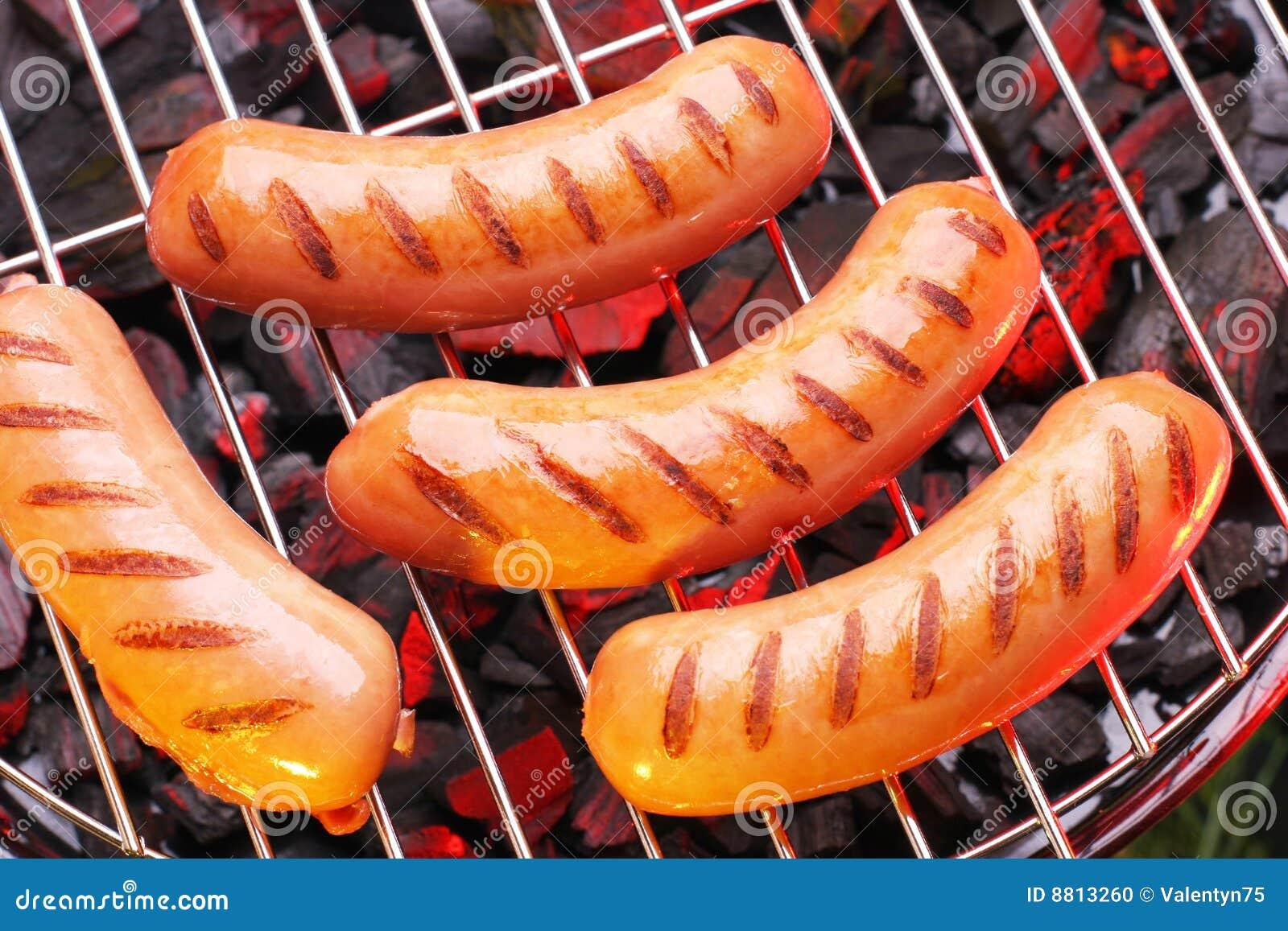 Salsichas grelhadas