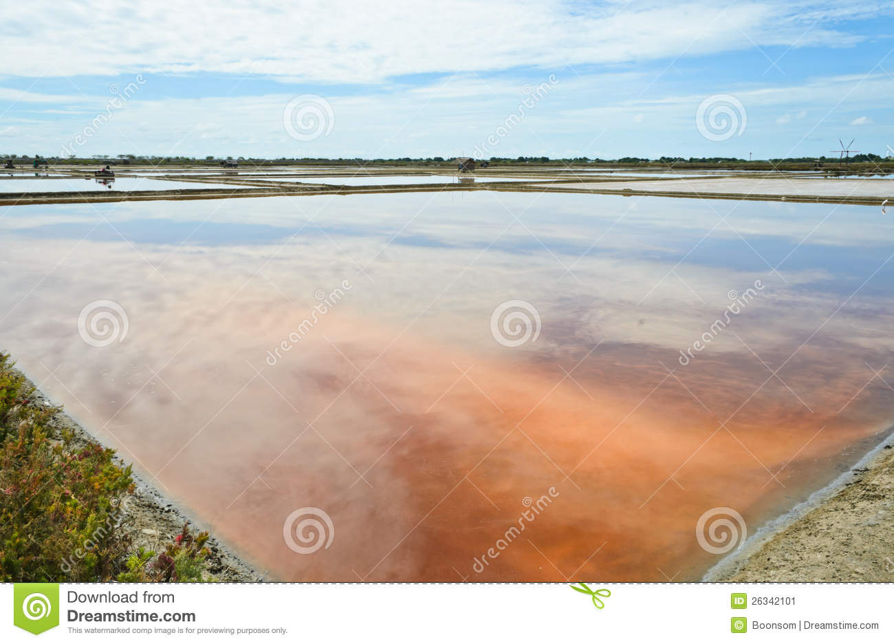 Salt evaporation ponds stock image image 26342101 for Design of evaporation pond